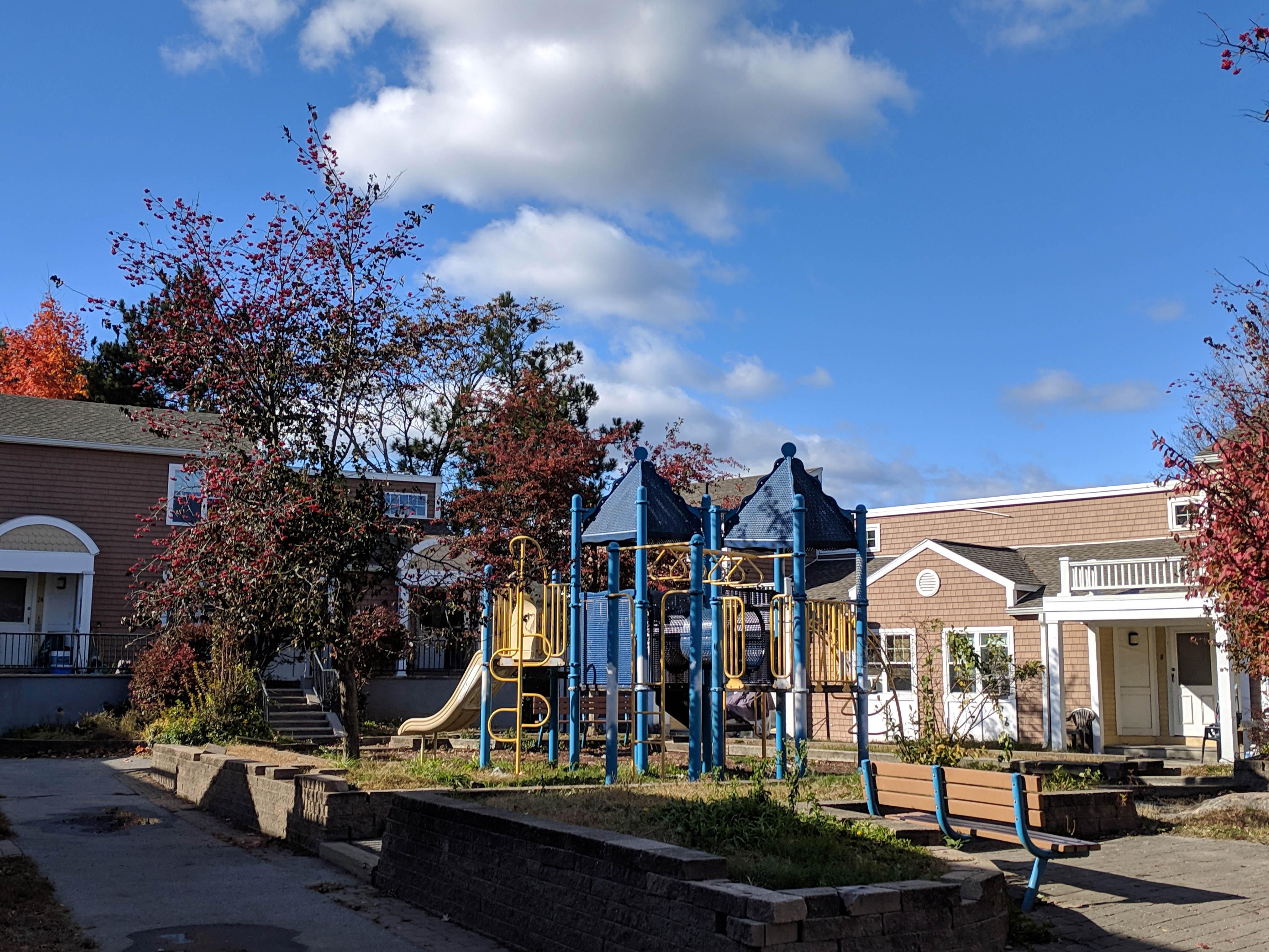 Harold Hartwell Court (playground)